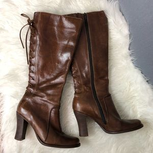 Kenneth Cole Chantastic brown leather laced boots